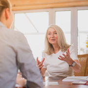 Frauen und Selbstwert: Darf's ein bisschen mehr sein?